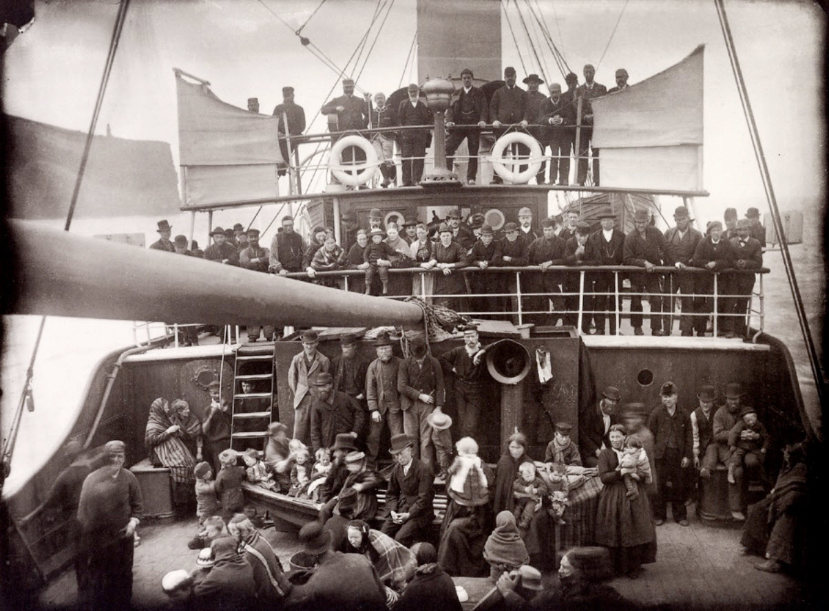 Icelanders leaving for N-Amercia, photo from Sigfús Eymundsson collection