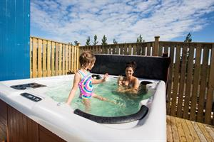 It is ideal to relax in the hot tub