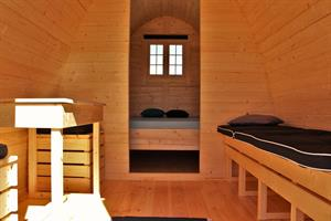 Sleeping bag/double room in a camping pod