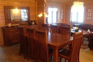 Dining area of the 10 person cottage