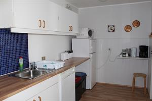 Access to cooking facilities in the mainhouse