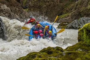 A challenging river rafting tour on the East Glacial River