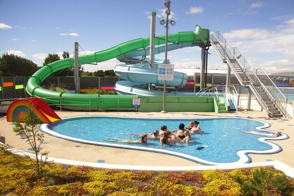 Top 20 hot springs and swimming pools in iceland for Swimming etiquette public pool