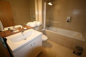 Double room with private bathroom (cat. IV)