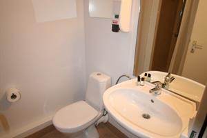 Double room with private bathroom (cat. III)