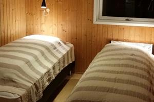 Twin bed in one bedroom in 6 pers. cottage (nr.1)