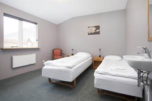 Twin room with shared facilities.