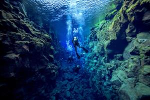 Snorkelling in Silfra fissure