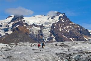 Hiking on Svínafellsjökull Glacier