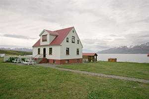 The old farm house, a cottage accommodating 16 persons