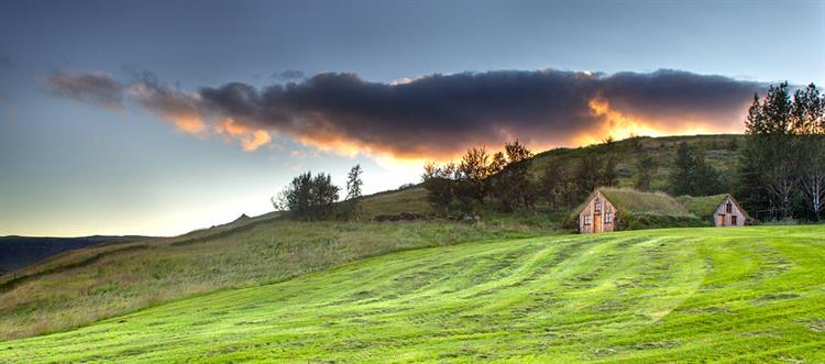 Why Icelandic Farm Holidays?