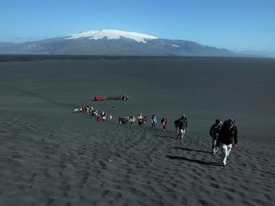 Hike in the black sands by Cape Ingólfshöfði