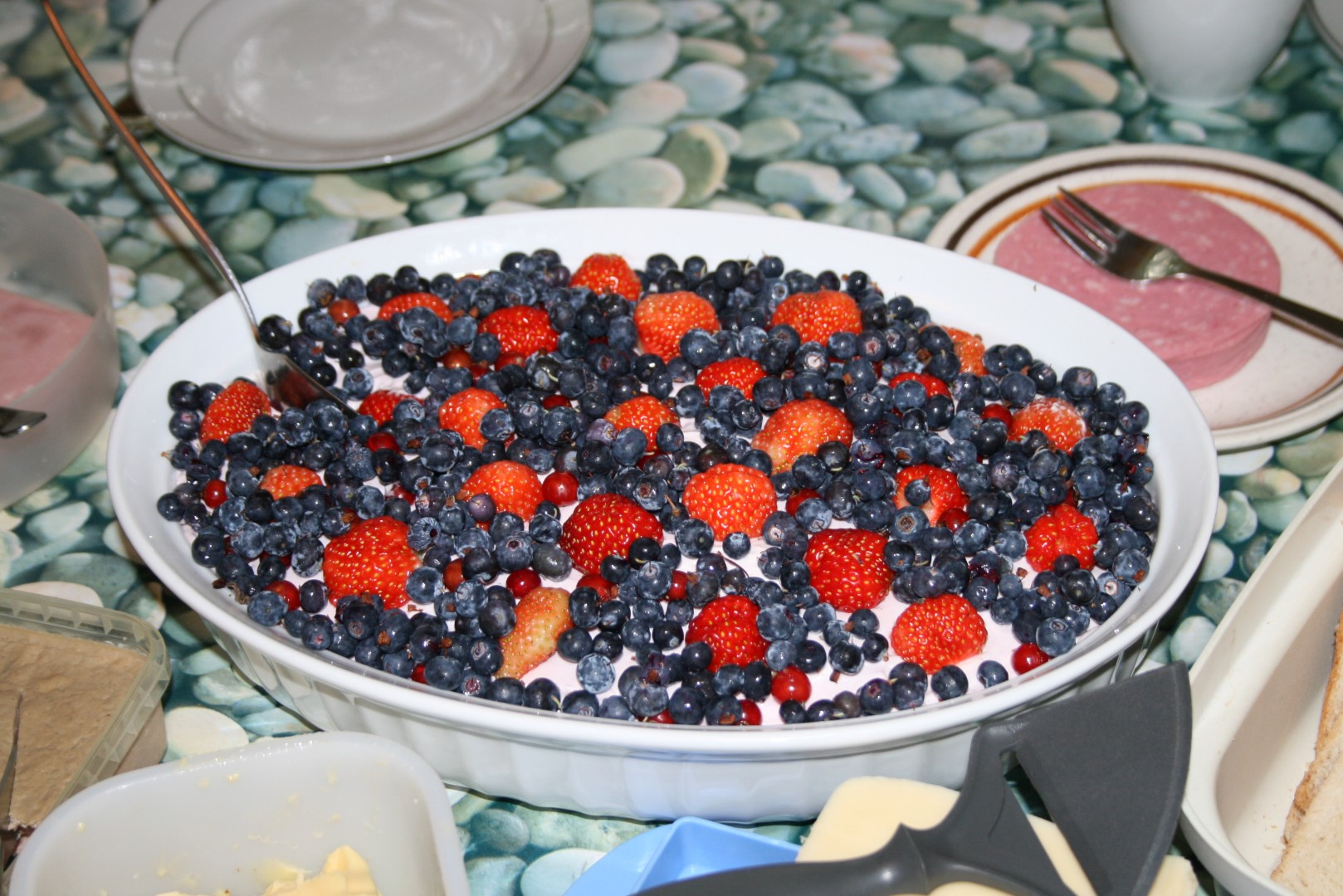 Icelandic skyr with berries